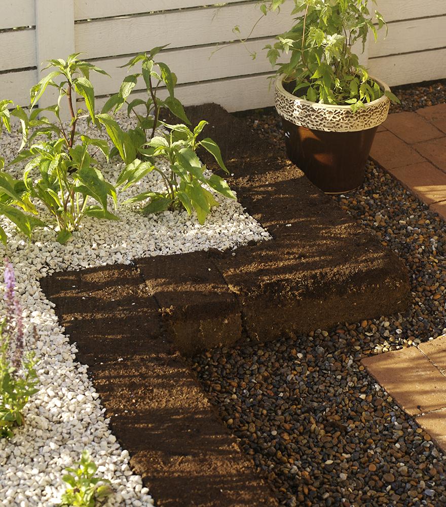 Plantera med torvblock