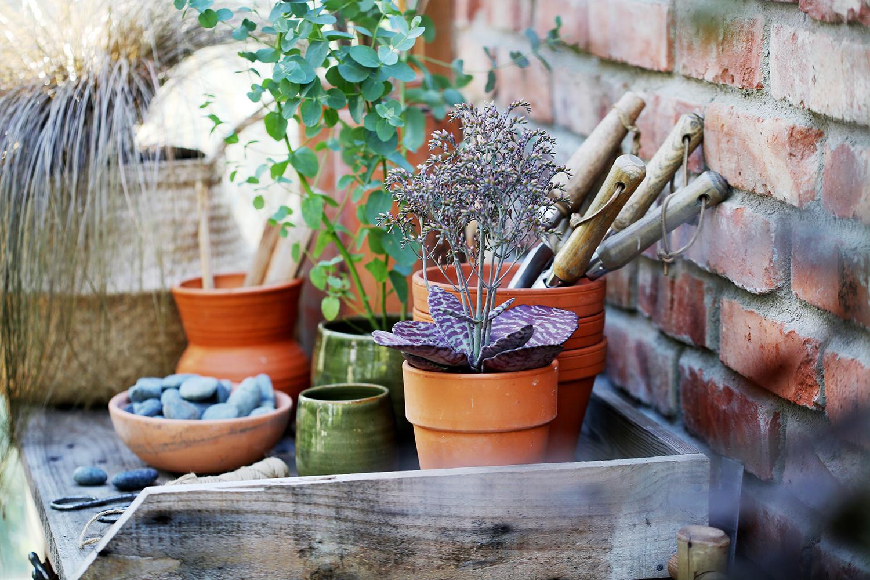 Krukplanteringar och planteringsspadar